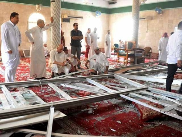 bomb attack in yemen mosque during eid prayer